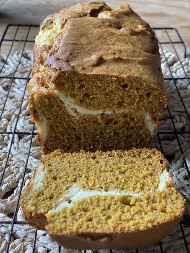 Pumpkin Cheesecake Swirl Cake