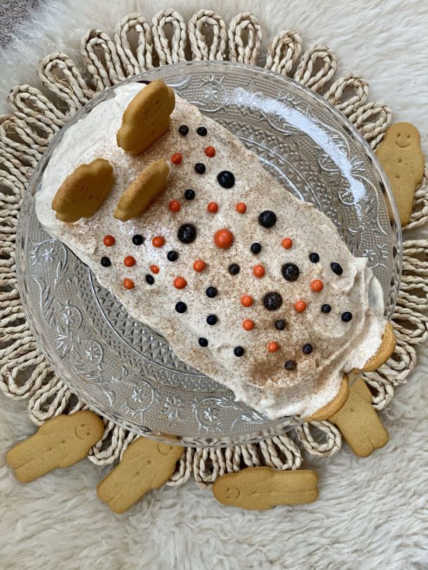 Gingerbread Loaf With Cinnamon Cream Cheese Frosting