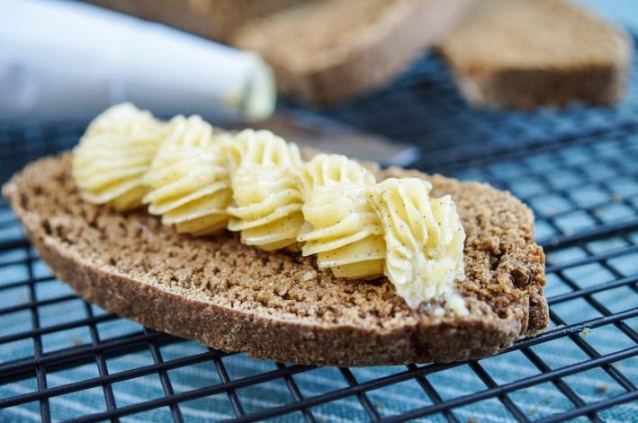 Vanilla Bean Honey Butter (3 of 3)