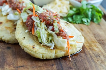 Pupusas de Queso (Salvadoran Cheese-Stuffed Tortillas)