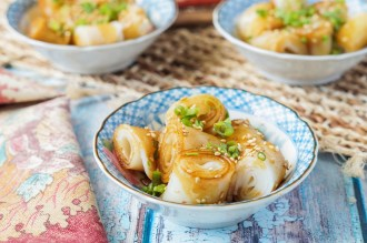 Cheung Fun (Steamed Rice Noodle Rolls)