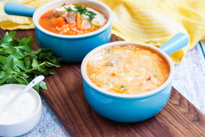 Qatiqli Hu'rda (Uzbek Rice Soup) with yogurt mixed in