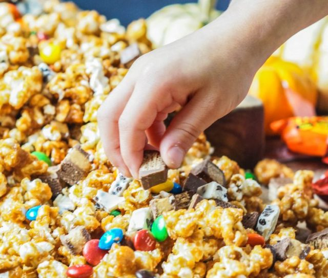 My Personal Favorite Candy Pairings With The Popcorn Were The Kit Kats Reeses Peanut Butter Cups And Mms I Added About   Teaspoon Of Salt To The
