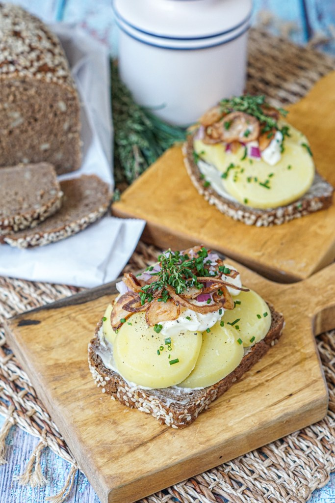 Kartoffelmad (Danish Potato Sandwich) with rugbrød and butter