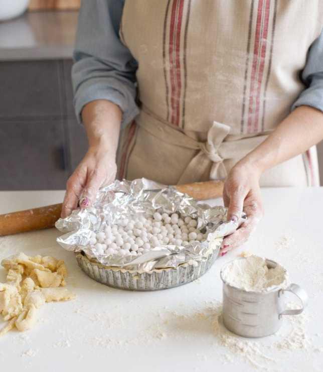 Basic Tart Crust with Ceramic balls on top