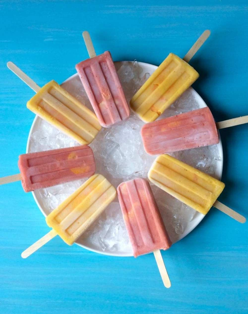 Halos Mandarins Frozen Smoothie Pops are a delicious snack, or breakfast!