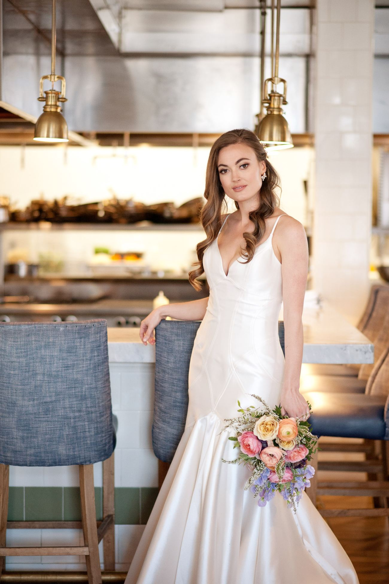 Spring bride at The Nash Weddings captured by Tara Whittaker Photography