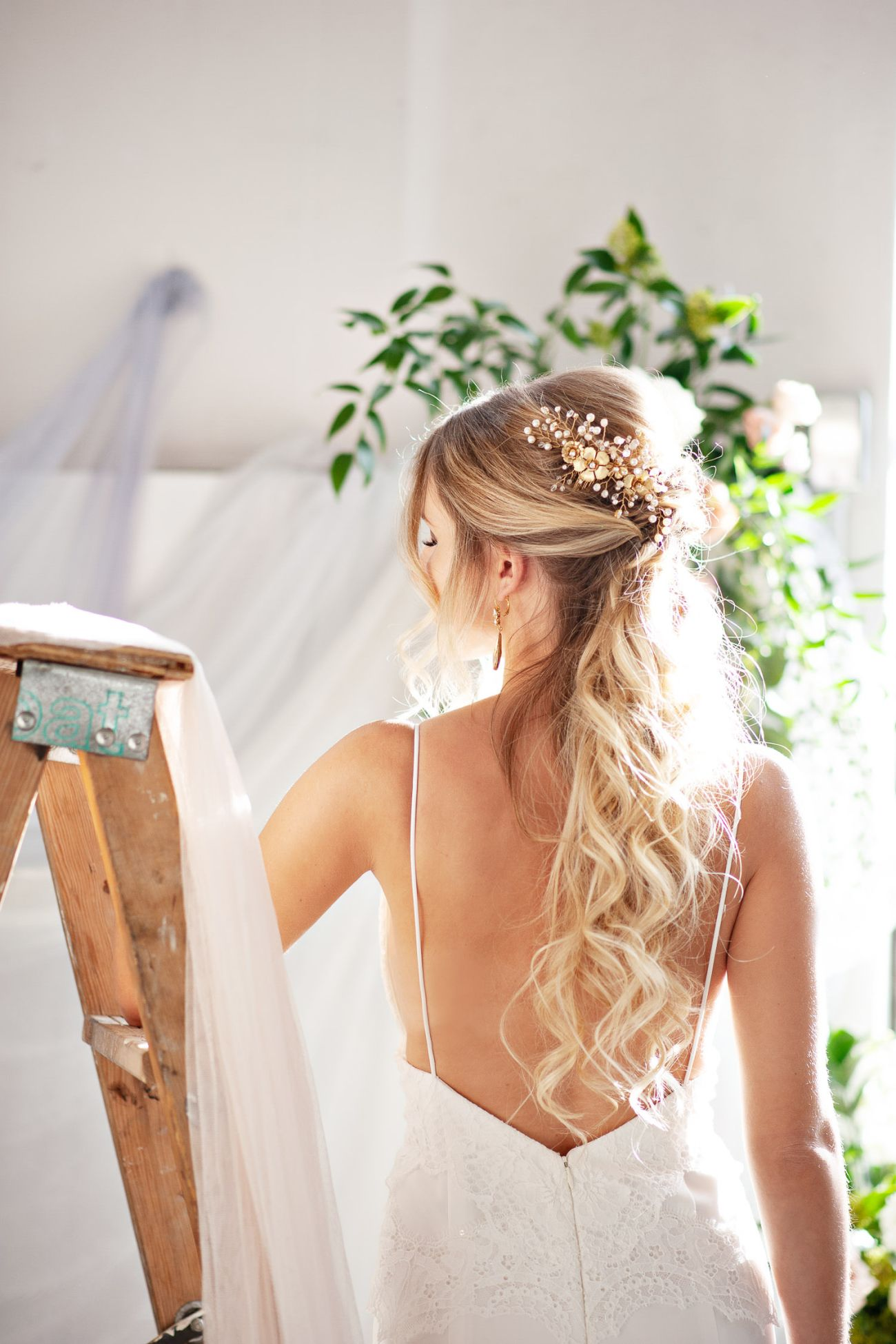 Gold hair comb from Joanna Bisley Design captured by Tara Whittaker Photography
