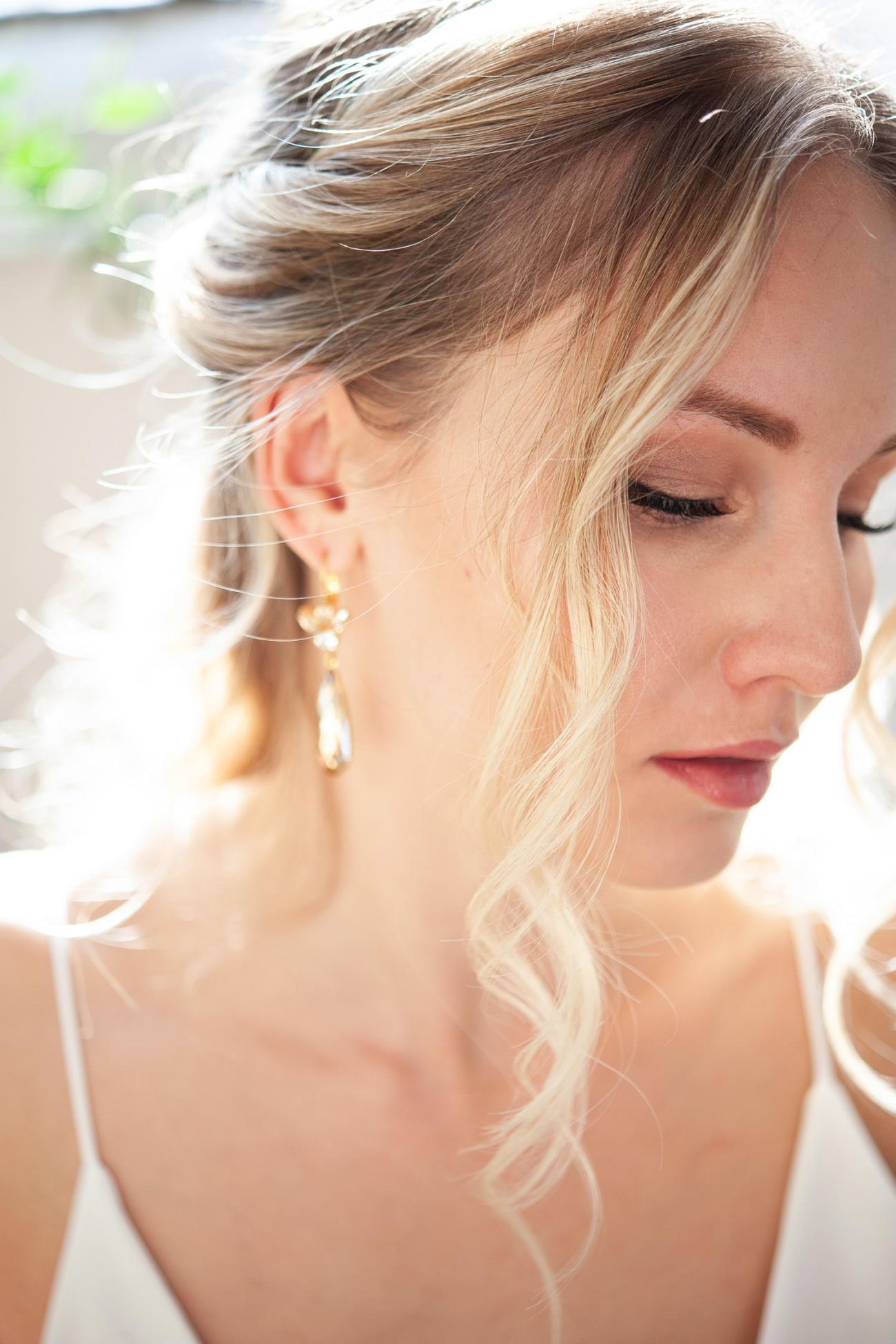 Close up of the bride's soft romantic curls captured by Tara Whittaker Photography