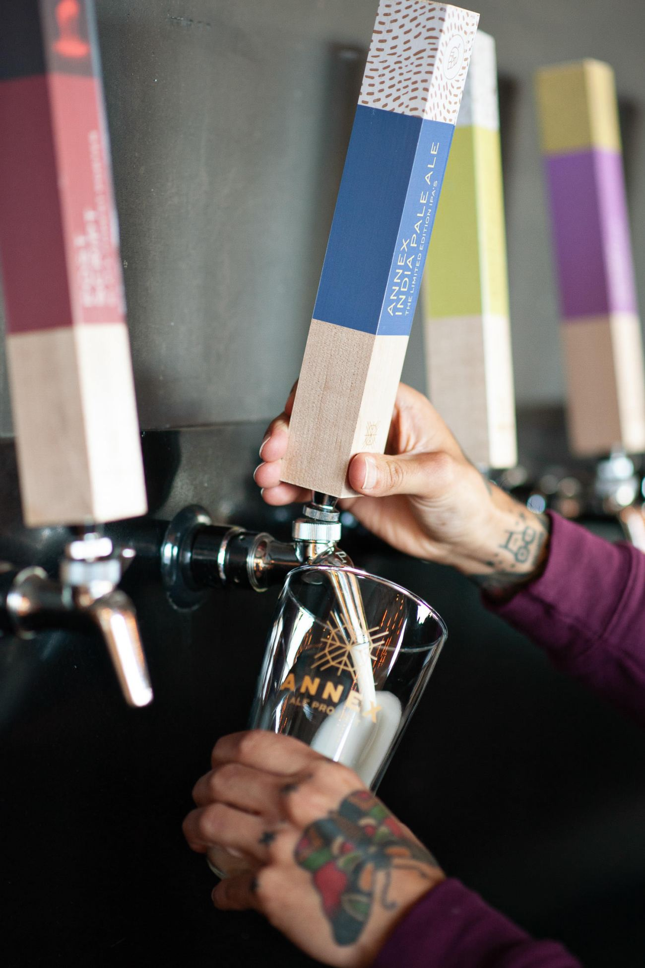 Each holiday mini session includes a $25 gift card from Annex Ale Project