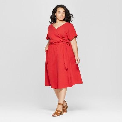 Women's Plus Size Short Sleeve V-Neck Midi Dress - Universal Thread™