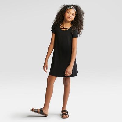 Girls' Short Sleeve Strappy Neck Dress - art class™ Black