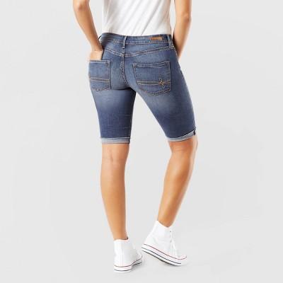 DENIZEN® from Levi's® Women's Modern Skinny Jean Shorts - Medium Wash