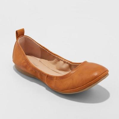 Women's Delaney Microsuede Round Toe Ballet Flats - Universal Thread™