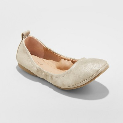 Women's Delaney Round Toe Ballet Flats - Universal Thread™