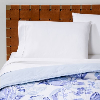 Floral Print Tufted Quilt Blue/White - Opalhouse™