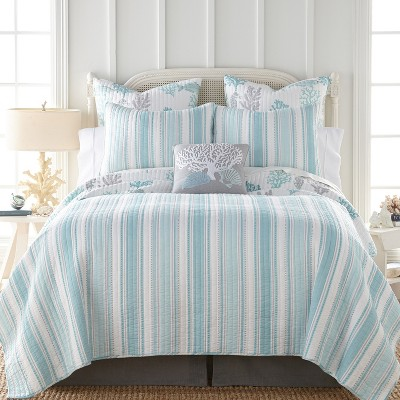 cape coral quilt set full queen quilt and two standard pillow shams teal levtex home