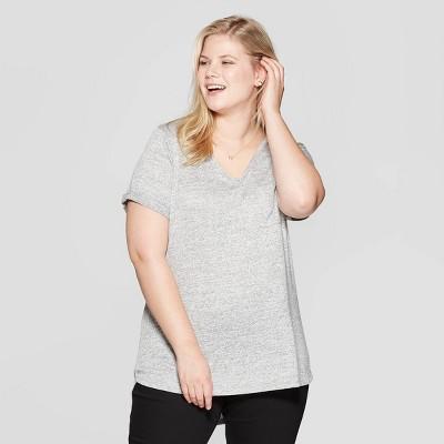 Women's Plus Size Pocket Short Sleeve Rolled Cuff V-Neck T-Shirt - Ava & Viv™