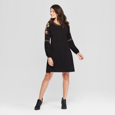 Women's Embroidered Sleeve Knit Shift Dress - Spenser Jeremy - Black