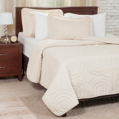 Solid Embossed Quilt Set - Yorkshire Home
