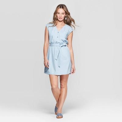 Women's Short Sleeve V-Neck Belted Denim Dolman Dress - Universal Thread™ Medium Wash