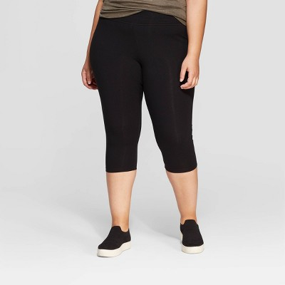 Women's Plus Size Capri Leggings - Ava & Viv™ Black