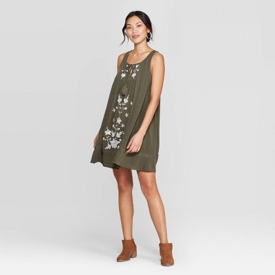 Women's Sleeveless Crewneck Dress With Embroidery - Knox Rose™ Green