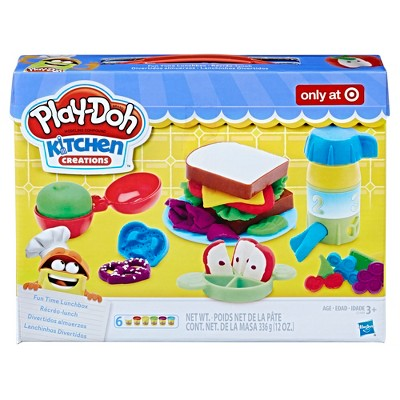 Play-Doh Kitchen Creations Fun Time Lunchbox