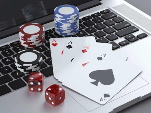 オンラインカジノのボーナスって何?