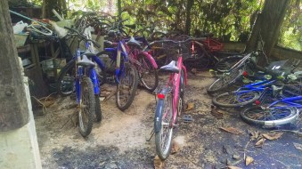 Many abandoned bikes from when Mom Chailai was more commercial.