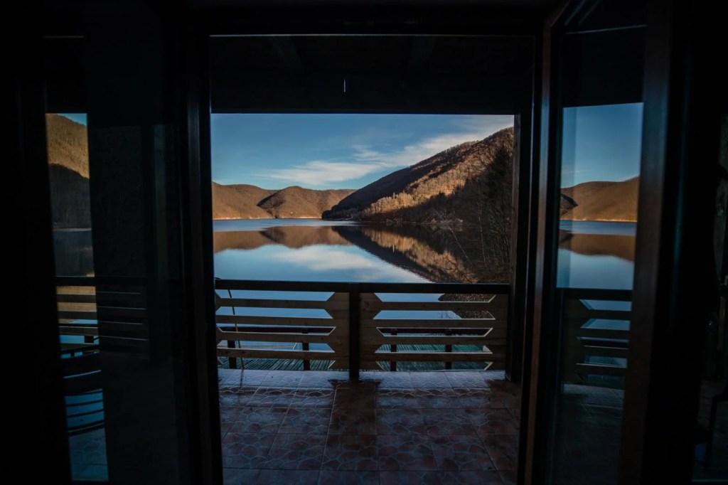 Twin Lake House 18