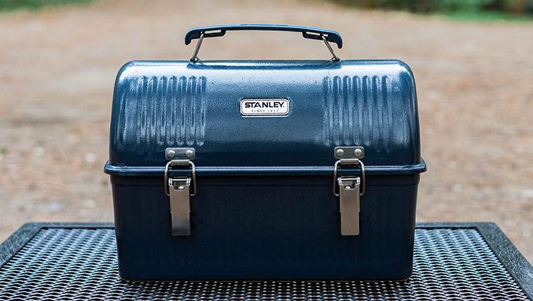 【スタンレー クラシックランチボックス】キャンプの調味料入れとしての使い方をブログで紹介!
