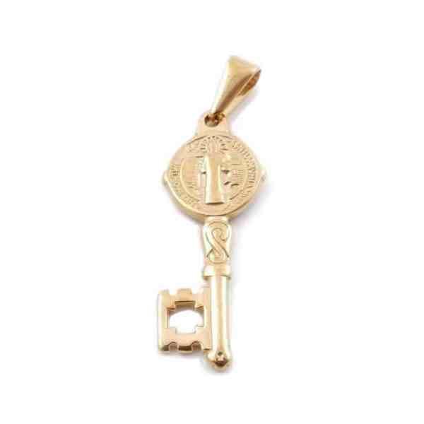 Colgante dorado en forma de llave de san Benito