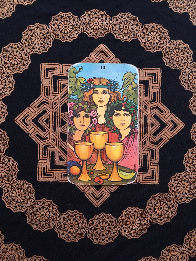 Three of cups, find your bliss