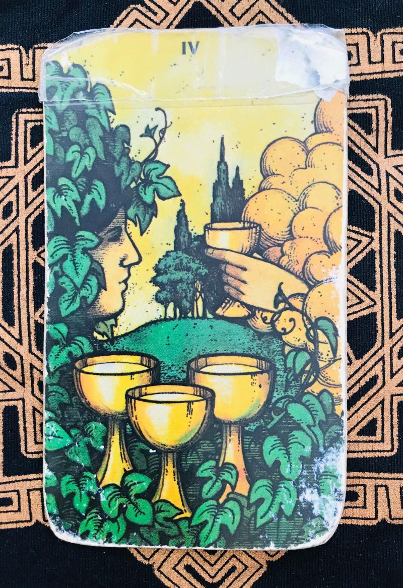 four of cups tarot card. good choices