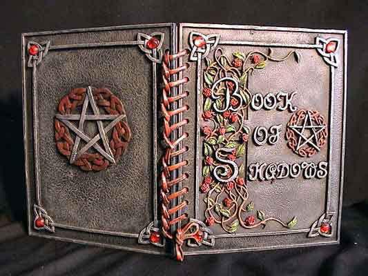 El Libro De Las Sombras Wicca ( Book Of Shadows)