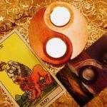 Schaffe dir dein persönliches Kartenlege-Ritual