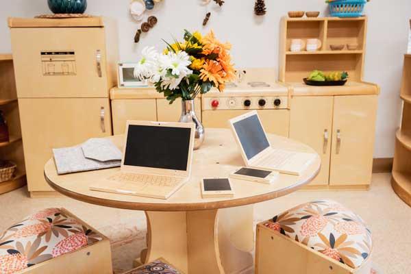 Tarragindi-Child-Care-and-Development-Koalas-Computer-Desk