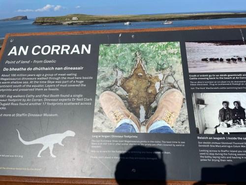 An corran sign for dinosaur prints