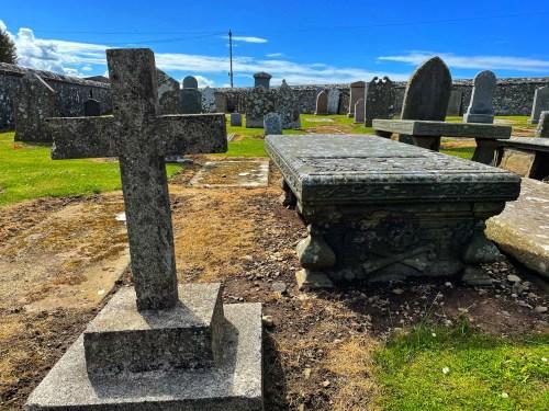 old pitsligo churchyard