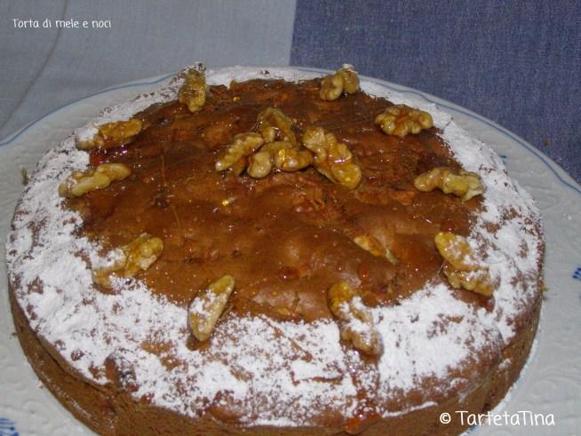 torta di mele noci