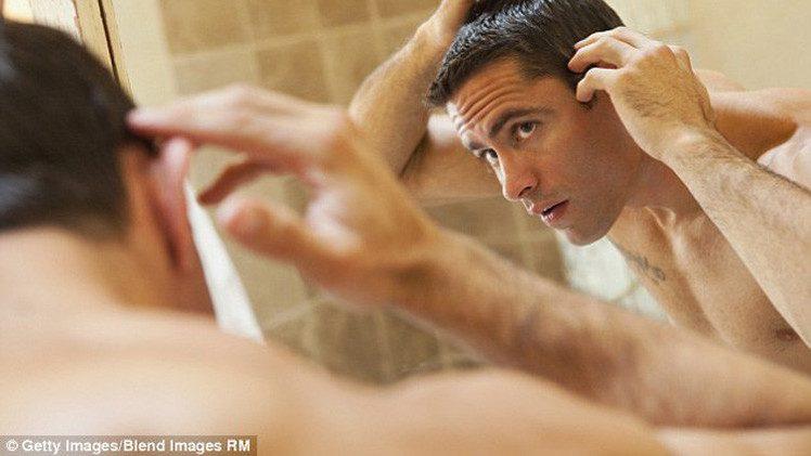 العلماء ينجحون في اكتشاف طريقة جديدة لعلاج تساقط الشعر
