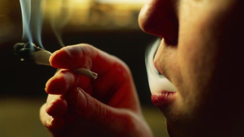 تدخين الشباب للمخدرات يخفض معدلات ذكائهم