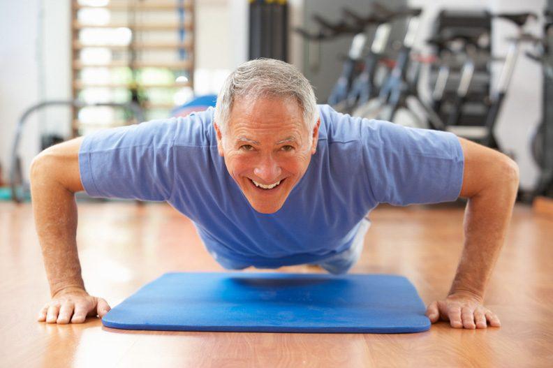"""الرياضة في السبعين """"قد توقف تقلص الدماغ"""""""