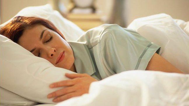 هواة النوم لفترات طويلة أكثر عرضة للإصابة بالجلطات الدماغية