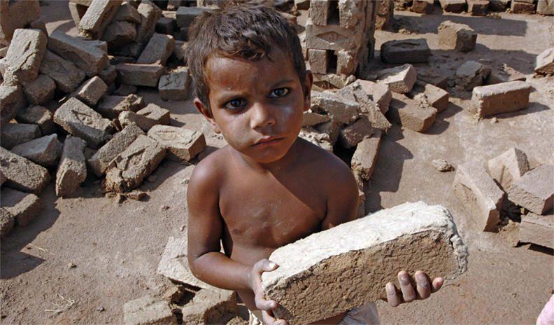 سوق العمالة يستنزف 13 مليون طفل عربي.. متى يكون العالم جديراً بالطفولة?