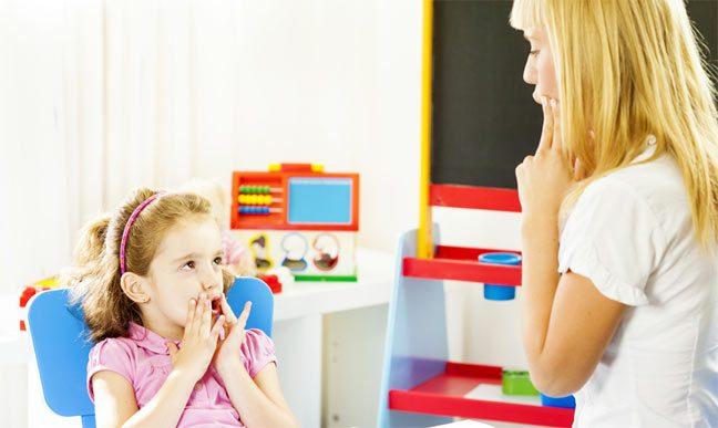 طرق ناجحة لعلاج تأخر الكلام عند طفلك