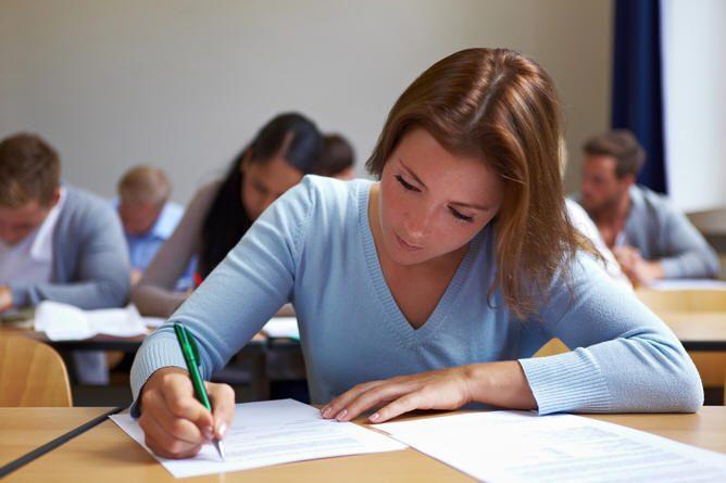 عند الامتحان يكرم المرء أو .. أفضل الطرق لتجنب التوتر وبلوغ أحسن النتائج الدراسية