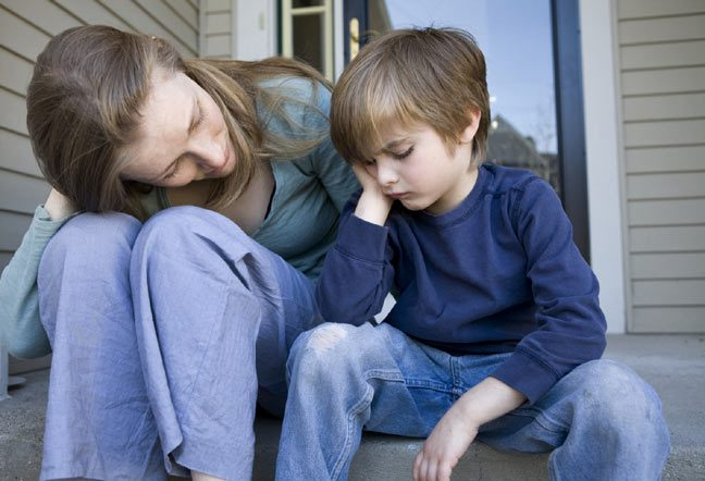 نصائح للتعامل مع مواقف ابنك المحرجة