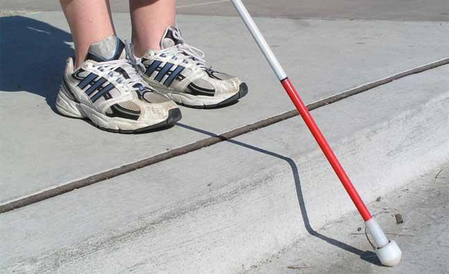ضعاف البصر يتغلبون على الإعاقة بممارسة رياضة الفروسية بمهارة